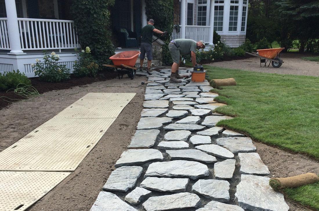 Laying paving stones